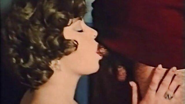 ブロンドVolochkovaは戦争を作成し、ギャップで エロ 動画 女性 むけ